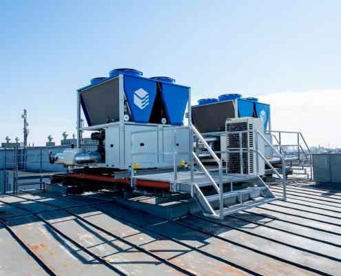 Kälteanlage mit Free Cooling für Laser- und Büroraumkühlung, Universität Wien, Fakultät für Physik, Boltzmanngasse in Wien (250 kW)